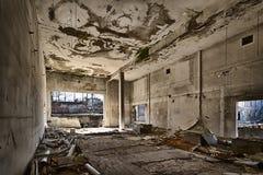 被毁坏的仓库 库存照片