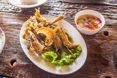 被油炸的鱼用辣调味汁& x28; 泰国food& x29; 免版税库存图片