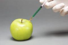 被注射的苹果 免版税图库摄影