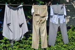 被洗涤的服装 图库摄影