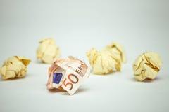被浪费的欧洲票据amound办公室纸 免版税库存图片