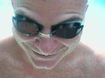 被浸泡的游泳者 免版税库存照片