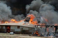 被消耗的火房子 免版税库存图片