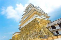 被渔的姬路Jo城堡底部堡垒蓝天 库存照片