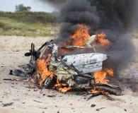 被火炬点燃的汽车 库存图片