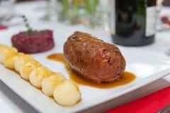 被炖的牛肉肉卷 免版税库存图片