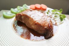 被炖的猪肉或烤肉 免版税库存图片