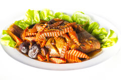 被炖的红色罗非鱼鱼用咸汤 免版税库存照片