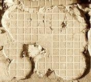 被炸开的水泥瓦片 免版税库存图片