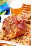 被烘烤的啤酒指关节猪肉 图库摄影