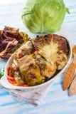 被烘烤的圆白菜卷 免版税库存图片
