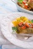 被烘烤的圆白菜卷 库存照片