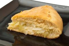 被烘烤的圆白菜新鲜的饼 图库摄影