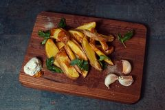被烘烤的土豆调味汁 免版税库存照片