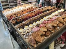 被烘烤的好在超级市场上 库存照片