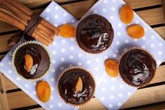 被烘烤的巧克力新近地松饼 免版税图库摄影
