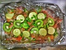 被烘烤的晚餐素食者健康膳食 免版税库存照片