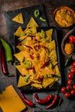 被烘烤的烤干酪辣味玉米片用乳酪 免版税库存照片