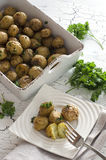 被烘烤的烤箱土豆 库存图片