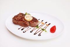被烘烤的牛肉牌照 免版税图库摄影
