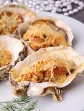 被烘烤的牡蛎 免版税库存照片