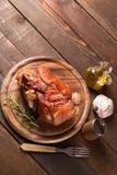 被烘烤的猪肉小腿 免版税库存图片