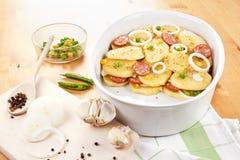 被烘烤的碗土豆 免版税库存照片