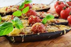 被烘烤的茄子用乳酪肉 免版税库存图片