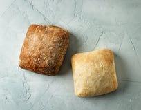 被烘烤的面包小圆面包新近地 库存图片