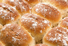 被烘烤的面包小茴香新近地滚 免版税库存照片