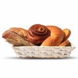 被烘烤的面包的分类在篮子的 免版税库存图片
