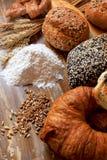 被烘烤的面包的分类 免版税图库摄影