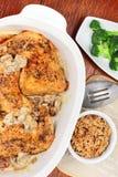 被烘烤的鸡正餐 免版税库存图片