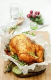 被烘烤的鸡用草本 库存图片