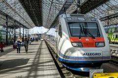 被烙记的急速地的高速火车的看法在赫尔辛基火车s的 免版税库存照片