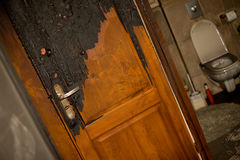 被烧的公寓 免版税库存照片