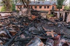 被烧的房子,火灾害 库存图片