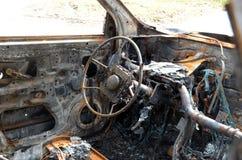 被烧的汽车击毁 免版税图库摄影