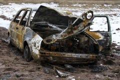 被烧的汽车,烧光车身,打破的车 库存照片
