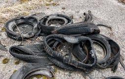 被烧的轮胎 免版税库存照片