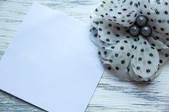 被爱你的女孩妇女的辅助部件的笔记 免版税库存照片