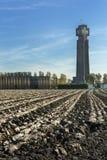 被犁的土地在比利时朝向最高的第一次世界大战纪念品 库存图片