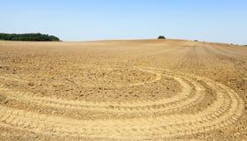 被犁的土壤,领域 免版税图库摄影