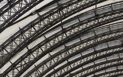 被环绕的天花板细节与支撑梁的 免版税库存照片