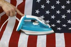 被电烙的被弄皱的美国旗子 库存图片