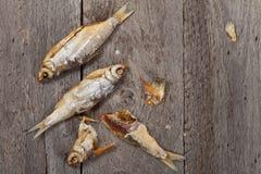 被盐溶的干鱼 免版税库存图片