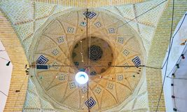 被盖的义卖市场圆屋顶在亚兹德 库存照片