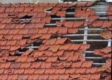 被破坏的屋顶 库存图片