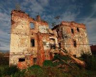 被破坏的房子 免版税库存照片