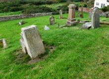 被破坏的教会和古老坟场,南艾尔郡,苏格兰 免版税库存图片